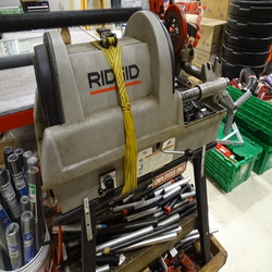 Pipe cutter/threader (store)