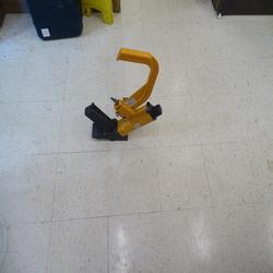 Nailer, floor cleat nailer air powered